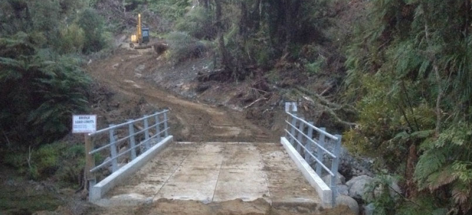 Installed temporary bridge