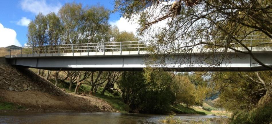 Steel Beam Concrete Deck 36m bridge - Motu