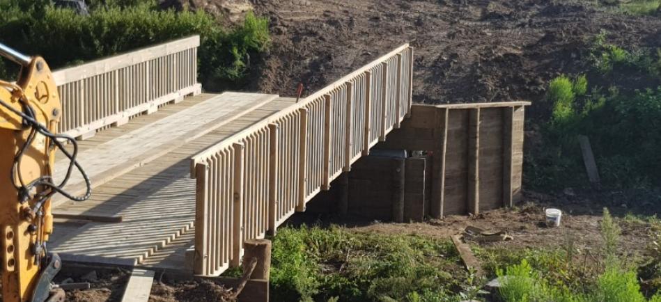Heavy weight timber deck, steel beam bridge Great Barrier Island